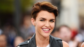 "Ruby Rose, Mark McGrath, and Cody Simpson On ""Extra"""
